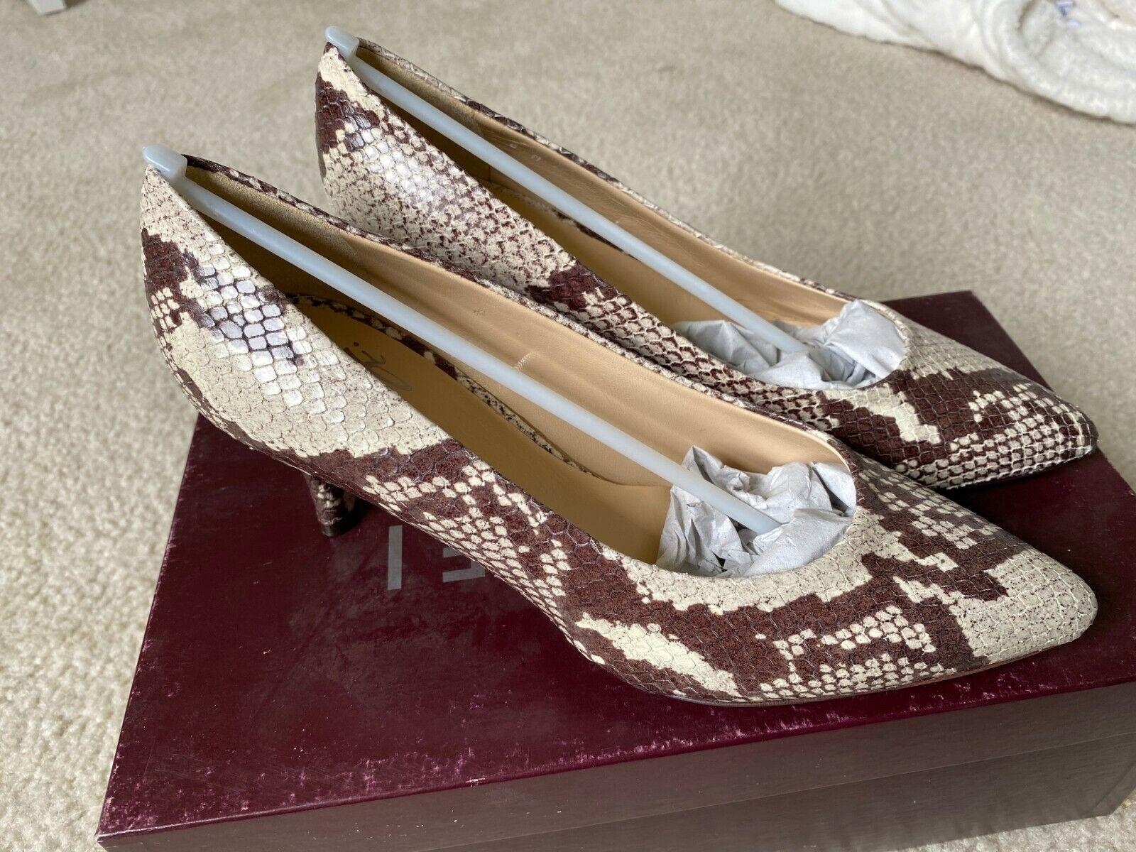Amalfi by Rangoni Leather Snake Skin Print Pace Pumps Roccia Size 6