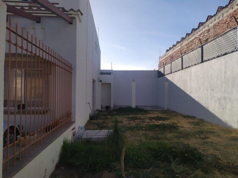 Se renta casa en la Fátima