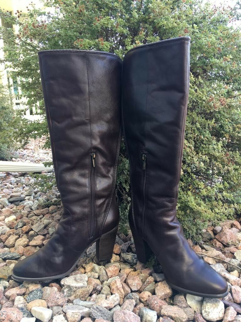 VINCE CAMUTO COFFEE GRIND LEATHER  HIGH BOOTS Sz 9