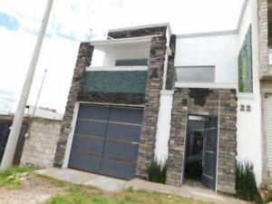 Casa venta Queretaro Corregidora en la Negreta 4 recamaras 4 banos