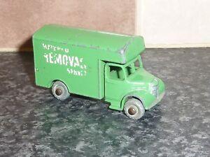 Vintage-Lesney-Matchbox-No-17B-Verde-Bedford-Removal-Van