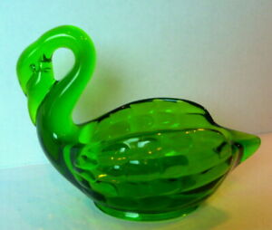 Art-Glass-Green-Swan-Candy-Dish-Bowl-Vintage