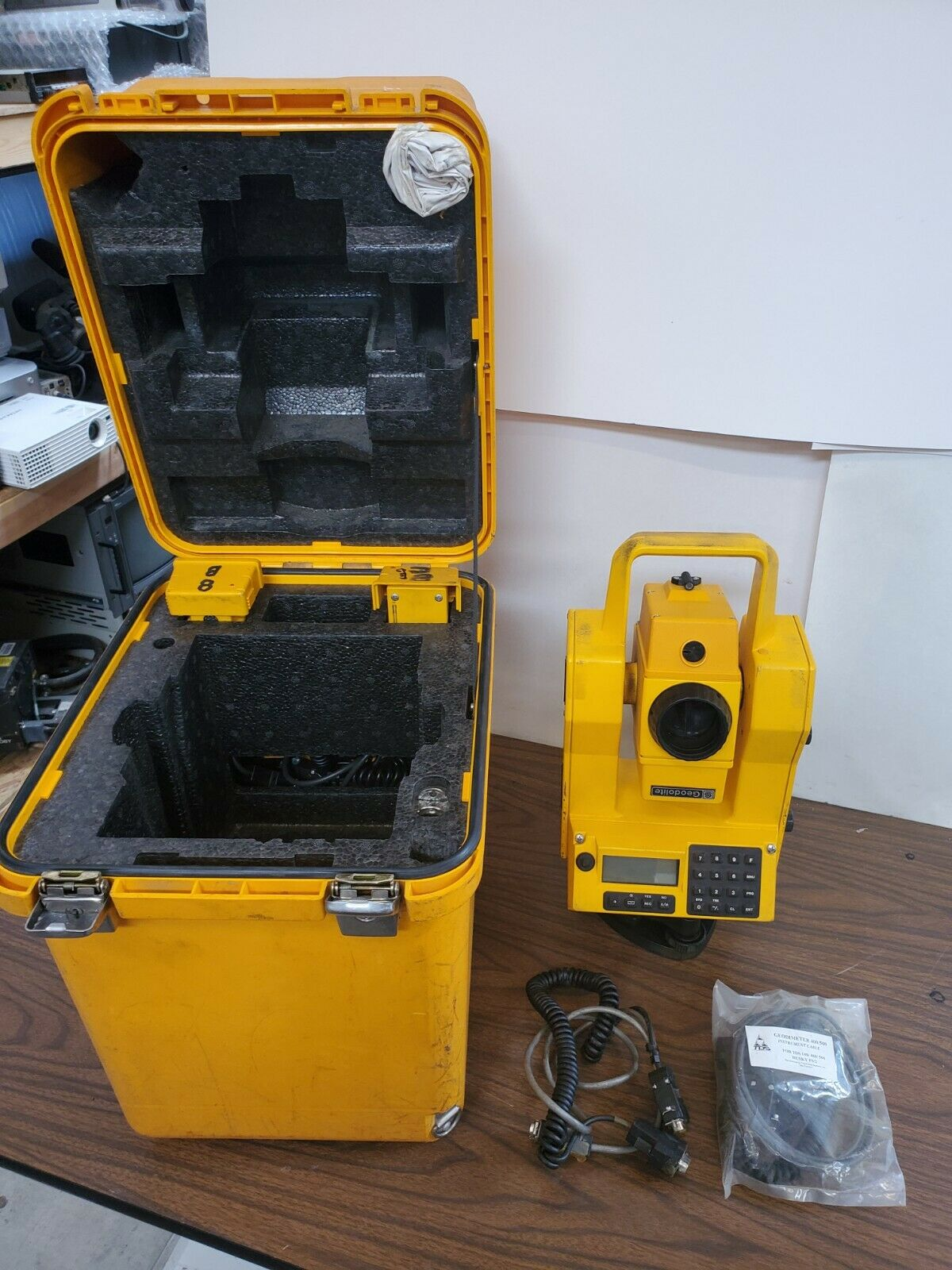 Geodolite GMD 504 Total Station With Case/Batteries