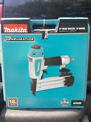 """Makita AF506 5//8/"""" 2/"""" Tool Less Narrow Nose Pneumatic Brad Nailer 18 Gauge NIB"""