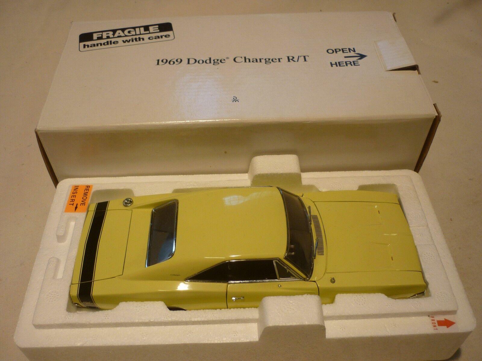 Danbury Mint de un 1969 Dodge Cochegador R T (en Caja).