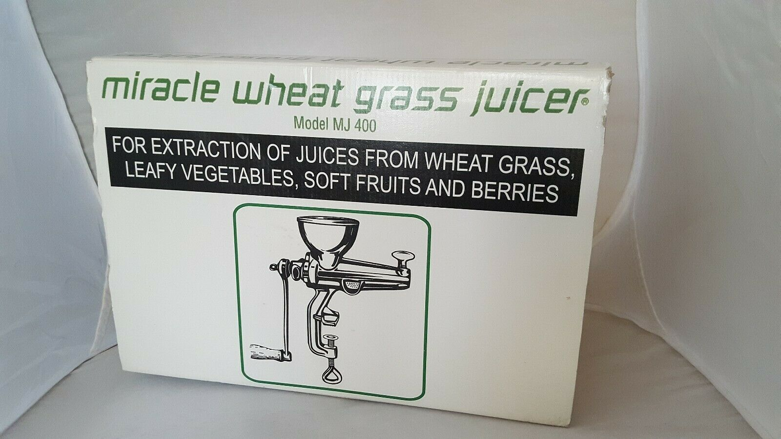 Miracle Wheat Grass Juicer MJ 400