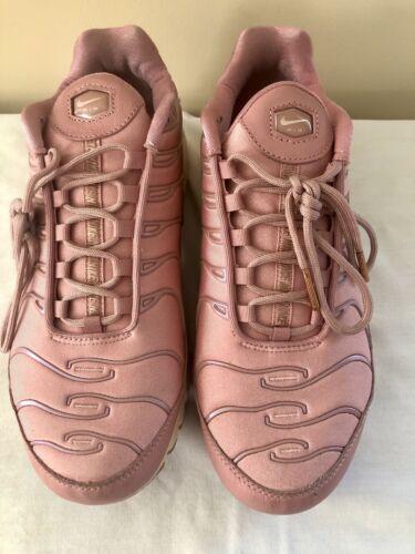 Nike Air Max Plus TN Athletic Running Sneaker Shoe