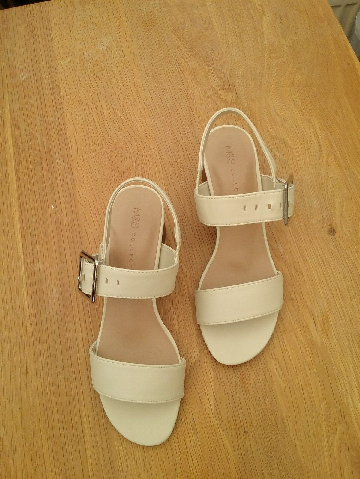 M & S Collection Ankle Womens Ivory/Cream Block Heel Ankle Collection Strap Sandals size 3 New dd8955