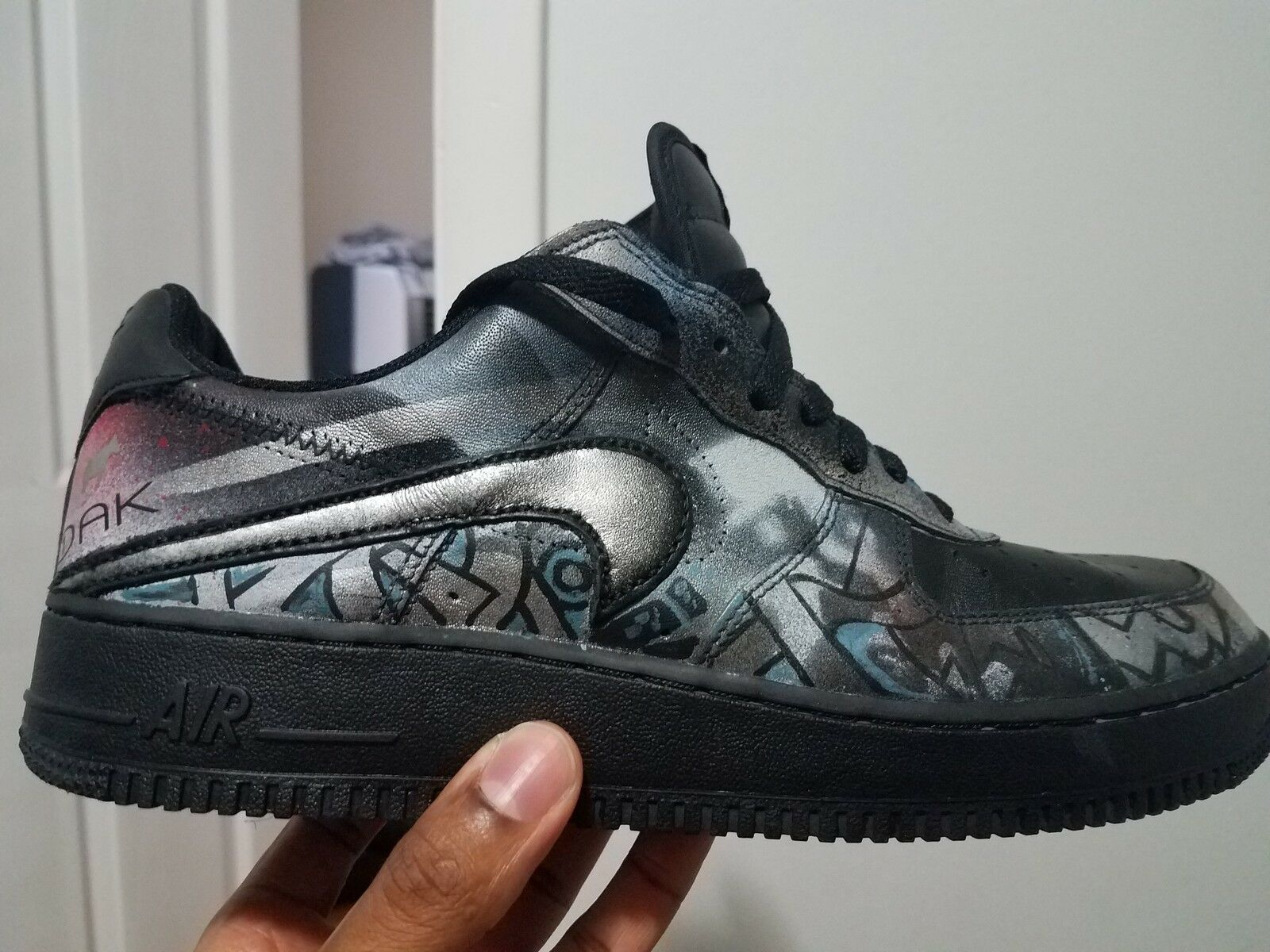 MEN S CUSTOM AIRFORCE ONE S 11 1/2 UPSIDE DOWN NIKE CHECK