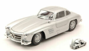 Modello-auto-scala-1-24-MERCEDES-300-SL-Diecast-modellcar-veicoli-ci-sono-a-tomobili