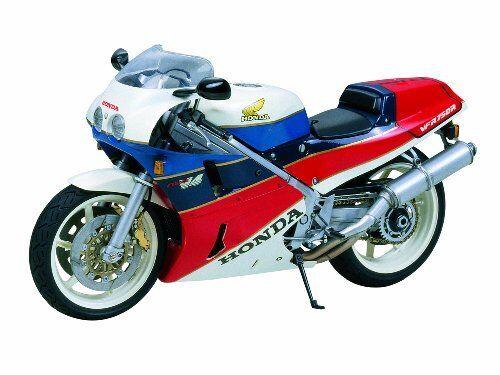 Tamiya 14057 Honda VFR750R 1/12 Scala Kit