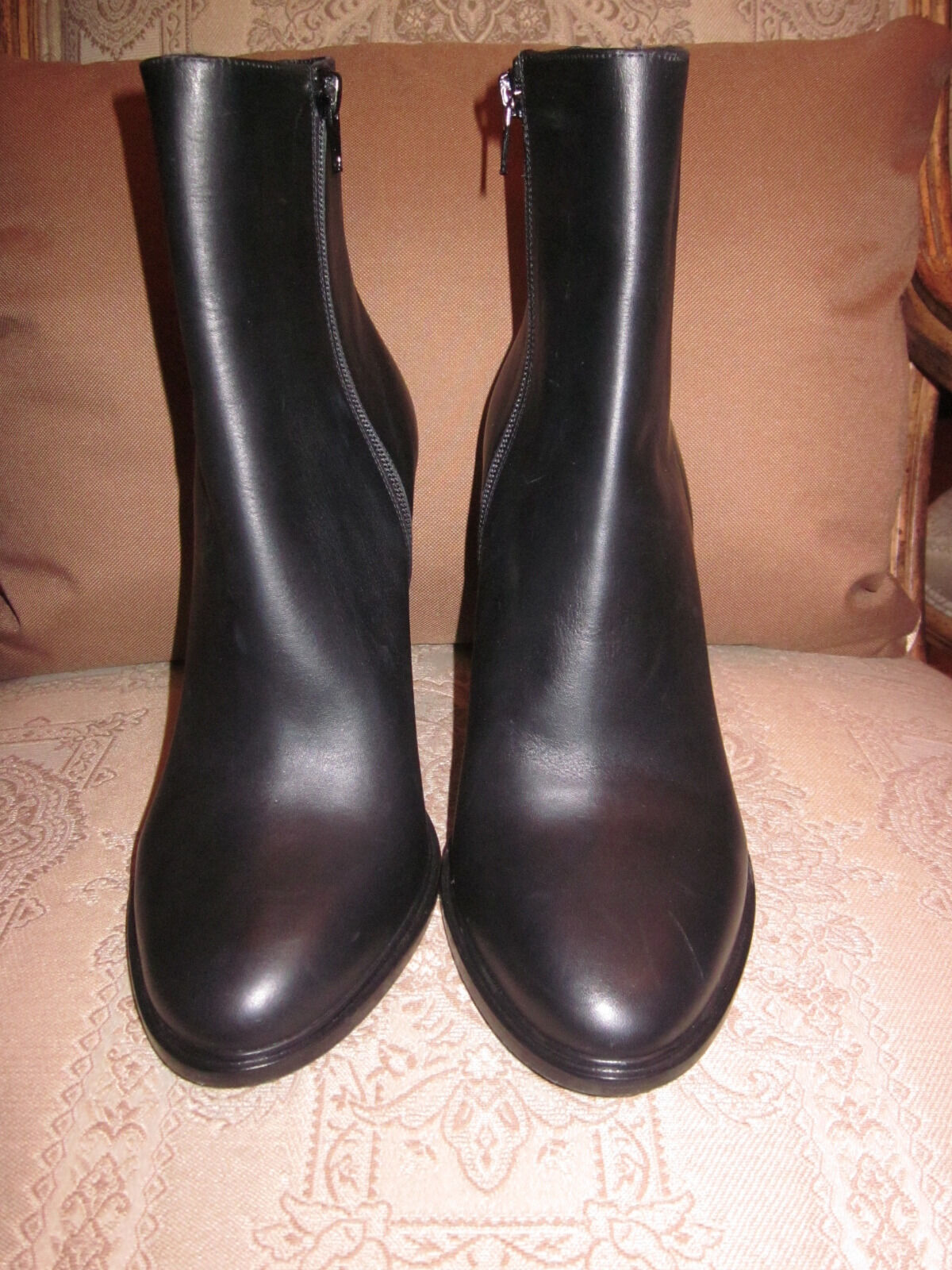 Vince Ogreenon leather Ankle Boots Black 10M EUR 41.5 New