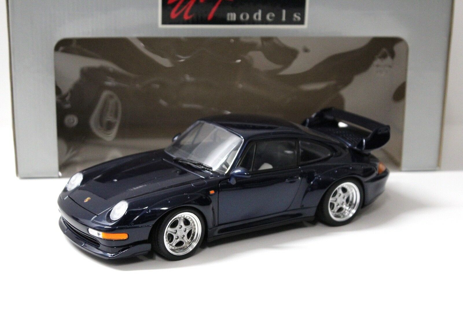 1 18 UT Models Porsche 911 993 gt2  Ocean bluee Metallic  with Premium modelcars