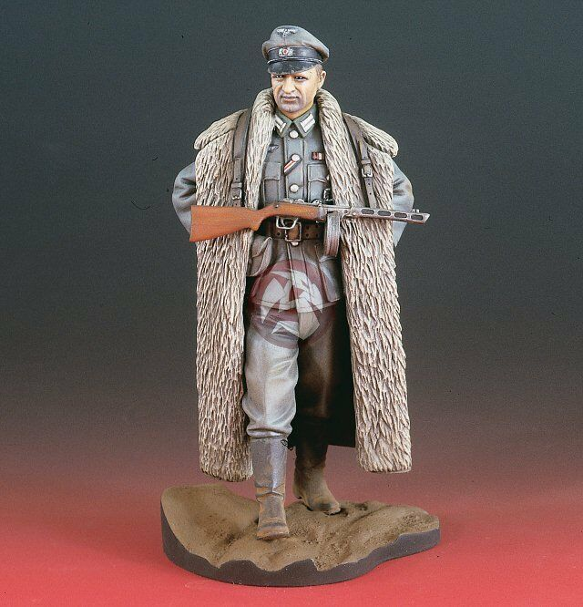 Verlinden 120mm (1 16) German Officer with PPSh-41 in Eastern Front WWII 2112