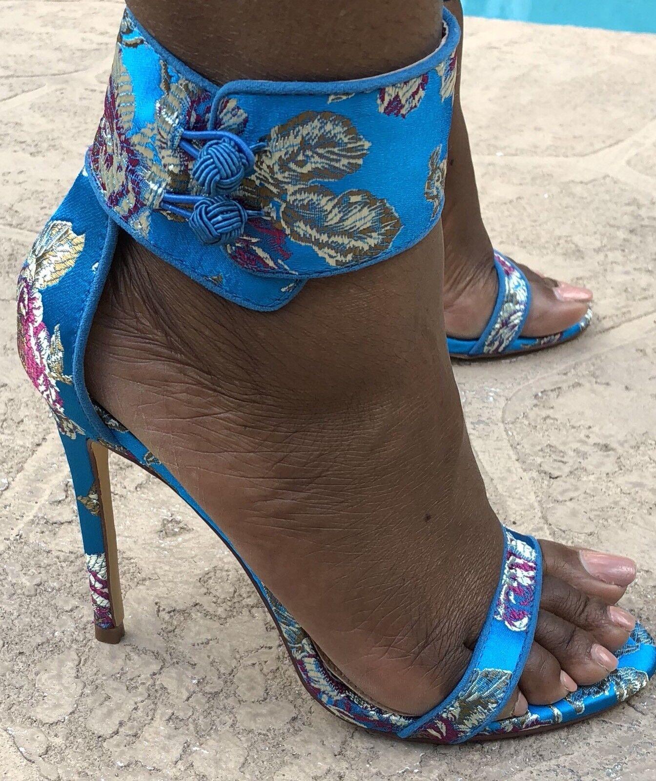 liliana shoes Blue Floral Heels Size 9