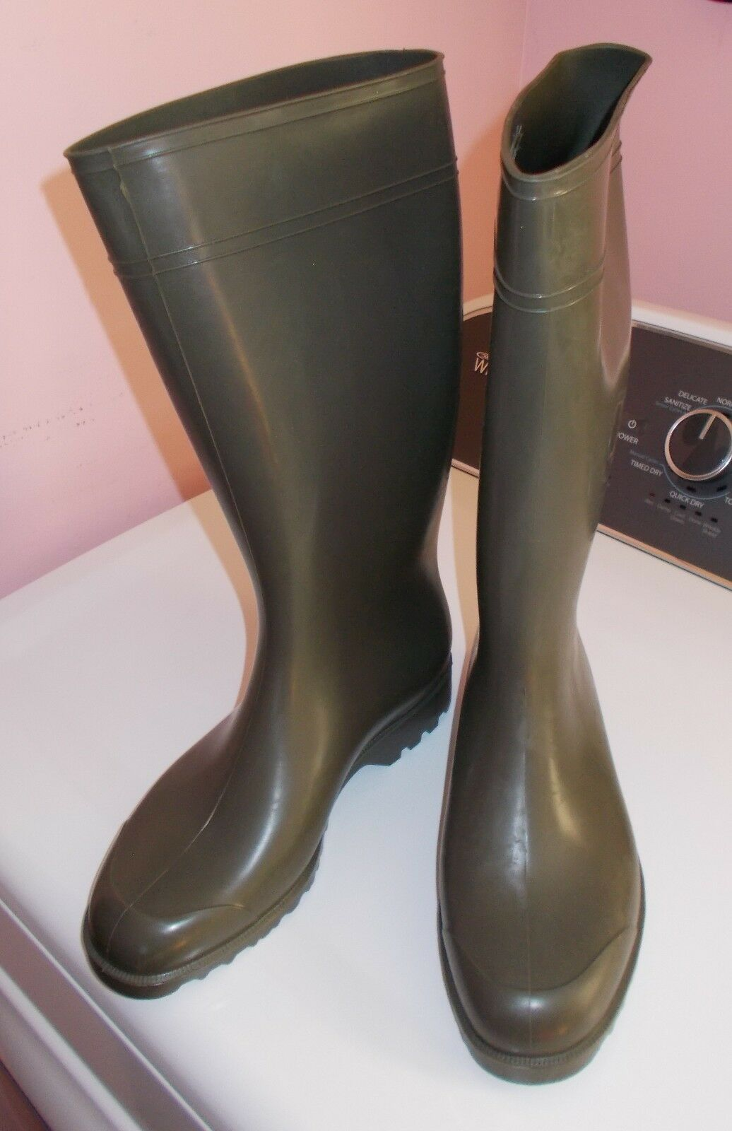 NORA ANTONIA Green Rubber Boots Wellies Deep Tread Size US W 9 NEW UNWORN