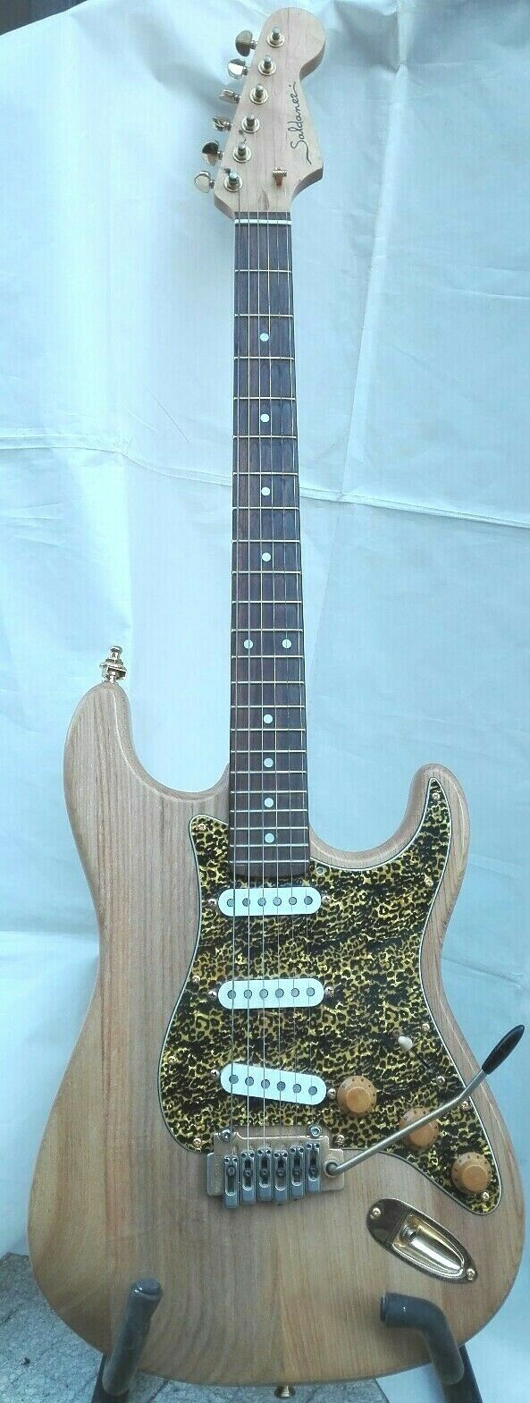 Guitar Layer in Ash, Pickguard Leopard, Trackable Shipping