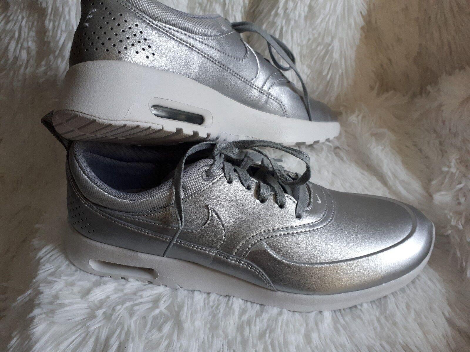 Nike Air Max Thea Damenss metallic silver sneakers Größe 10.5