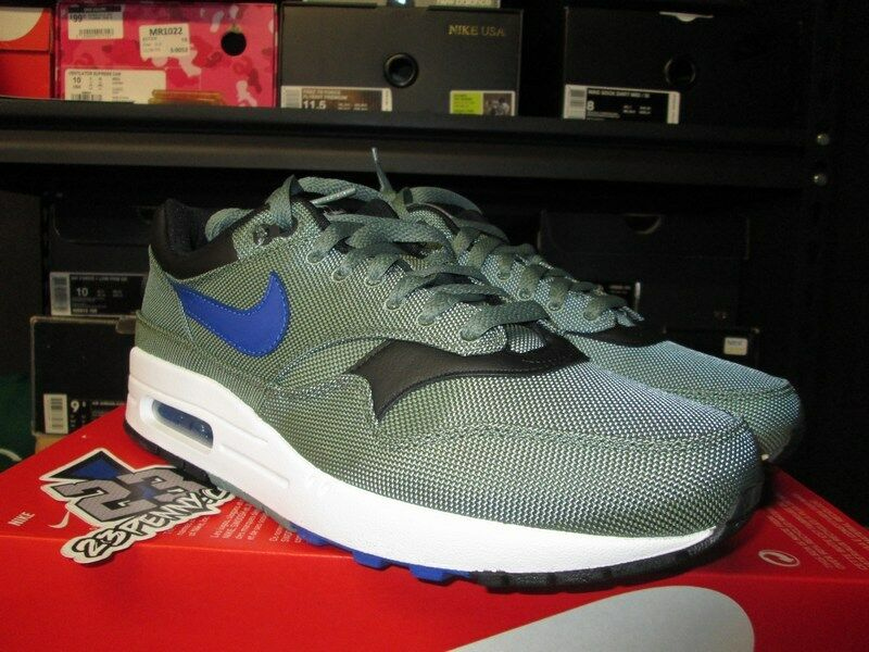 SALE NIKE AIR MAX 1 PREMIUM CLAY GREEN HYPER ROYAL WHITE 875844 300 SZ 9.5 NEW