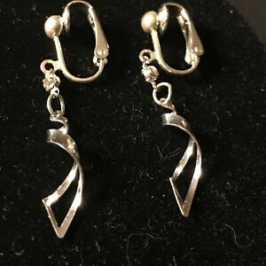 Silver-Toned-Twisted-Dangle-with-White-Stone-Clip-On-Earrings