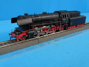 Marklin-DA-800-DB-Steamer-with-Tender-Br-23-version-1-of-1954-in-RED-OVP
