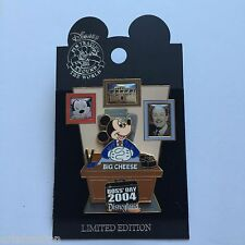 DLR - National Bosses Day 2004 Mickey Mouse LE 1000 Disney Pin 33643