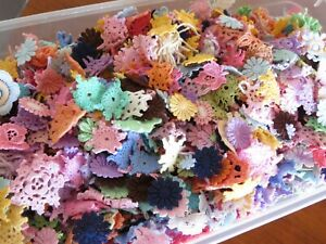 50pc-tiny-mini-cotton-crochet-medallions-doilies-and-flower-Rainbow-Colours-ast