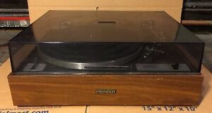 VINTAGE-PIONEER-PL-10-BELT-DRIVE-TURNTABLE-RECORD-PLAYER-GREAT-FOR-PARTS-ONLY