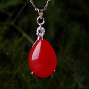 China Natural hand-carved red Water drop lucky fashion pendant necklace