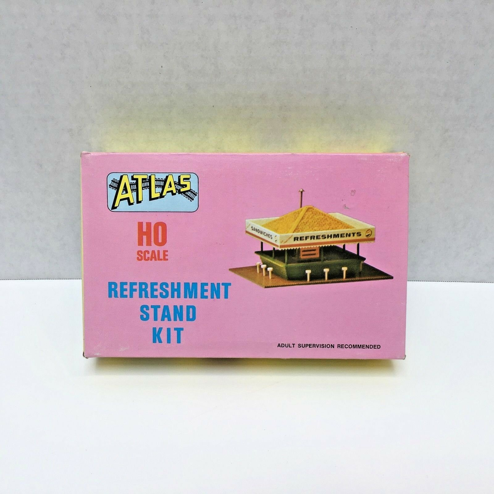 1962 Atlas HO Scale Refreshment Stand Unassembled Kit Building Plastic