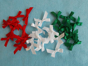 30-SMALL-Ribbon-Bows-7mm-wide-mixed-pack-Christmas-colours-Red-White-Green