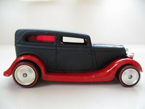 Hot Wheels Larry/'s Garage #11 Black 3-Window /'34 Ford CHASE w//Real Rider/'s