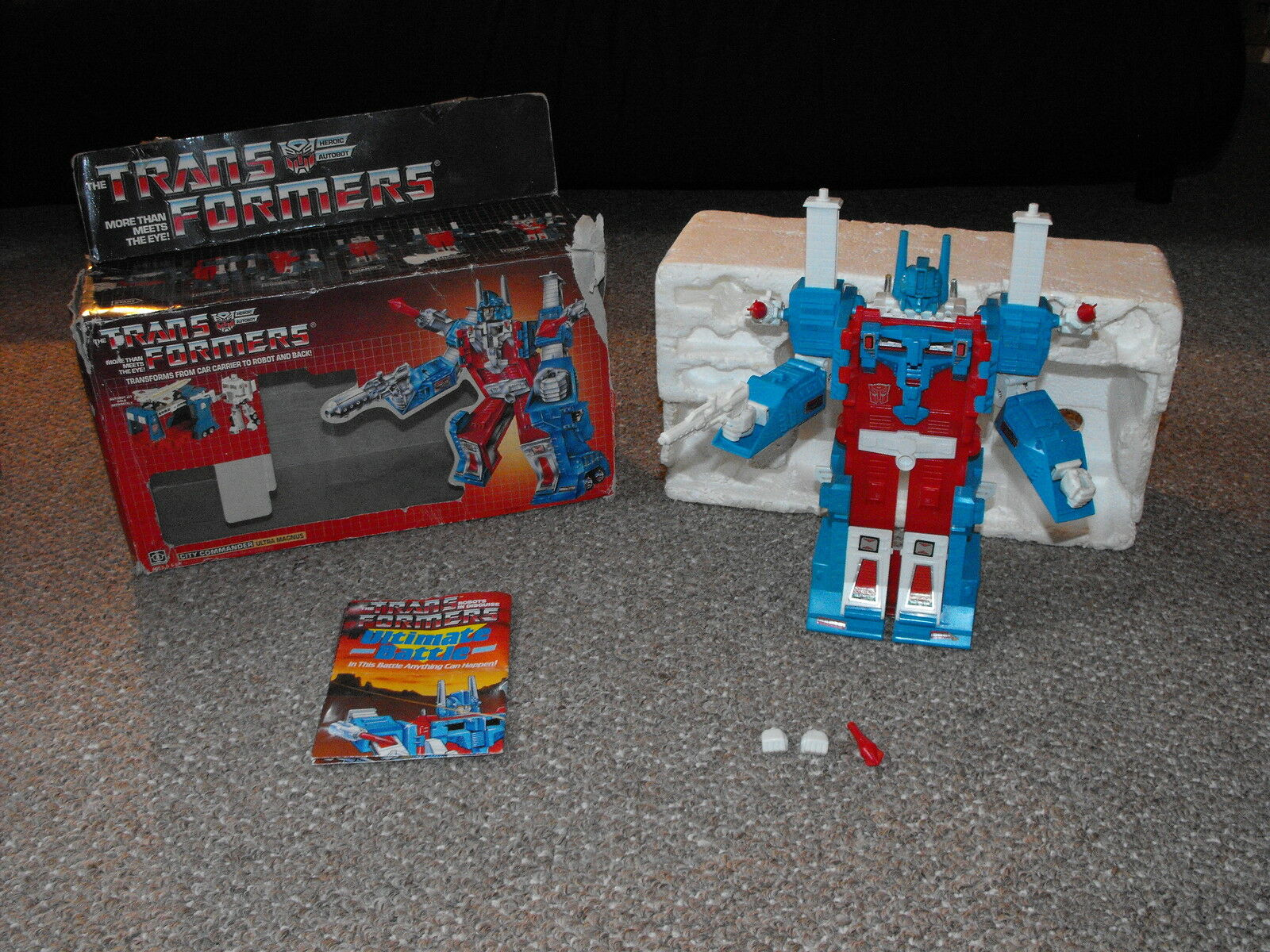 Vintage 1985 G1 Transformers Ultra Magnus Near Complete Figure with Box