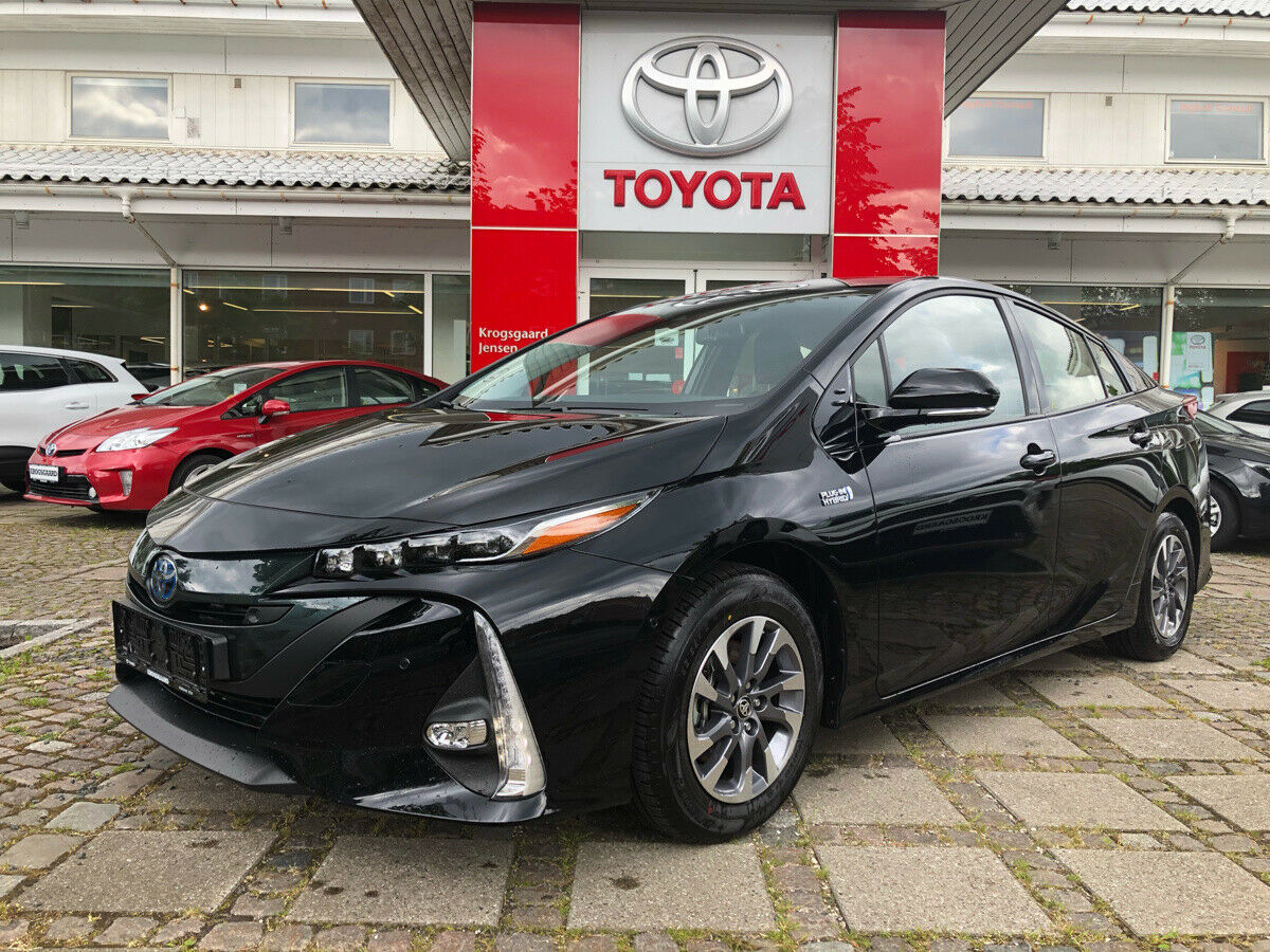 Toyota Prius 1,8 Plug-in Hybrid H3 Smart MDS 5d - 294.900 kr.