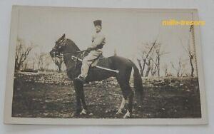 Carte-Postale-Photo-MILITAIRE-Cosaque-a-cheval-avec-son-sabre