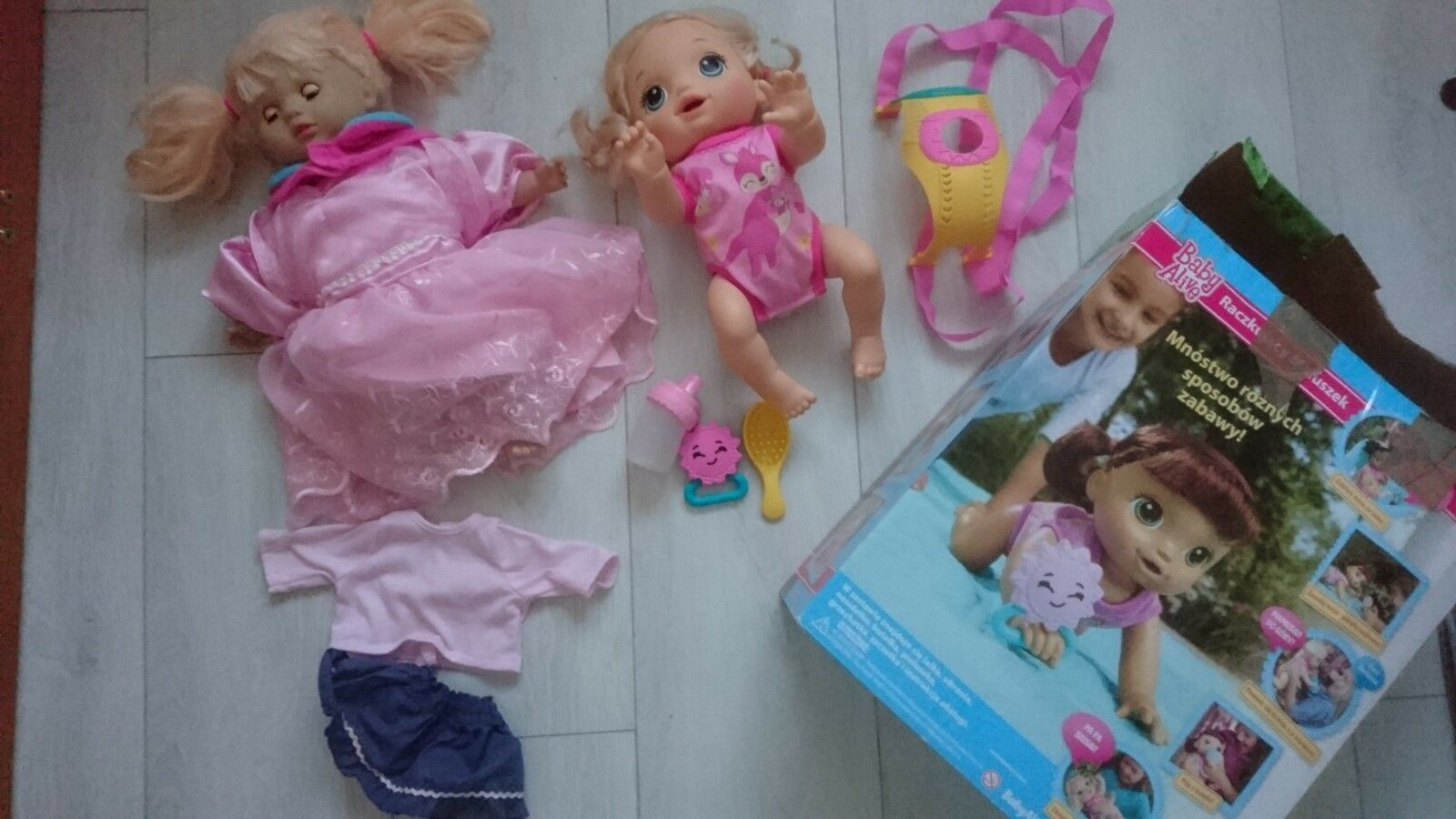 bambino Alive Bambola bambino Alive bambino GO BYE BYE (bionda) COLLOQUI solo SMALTO + Amelia