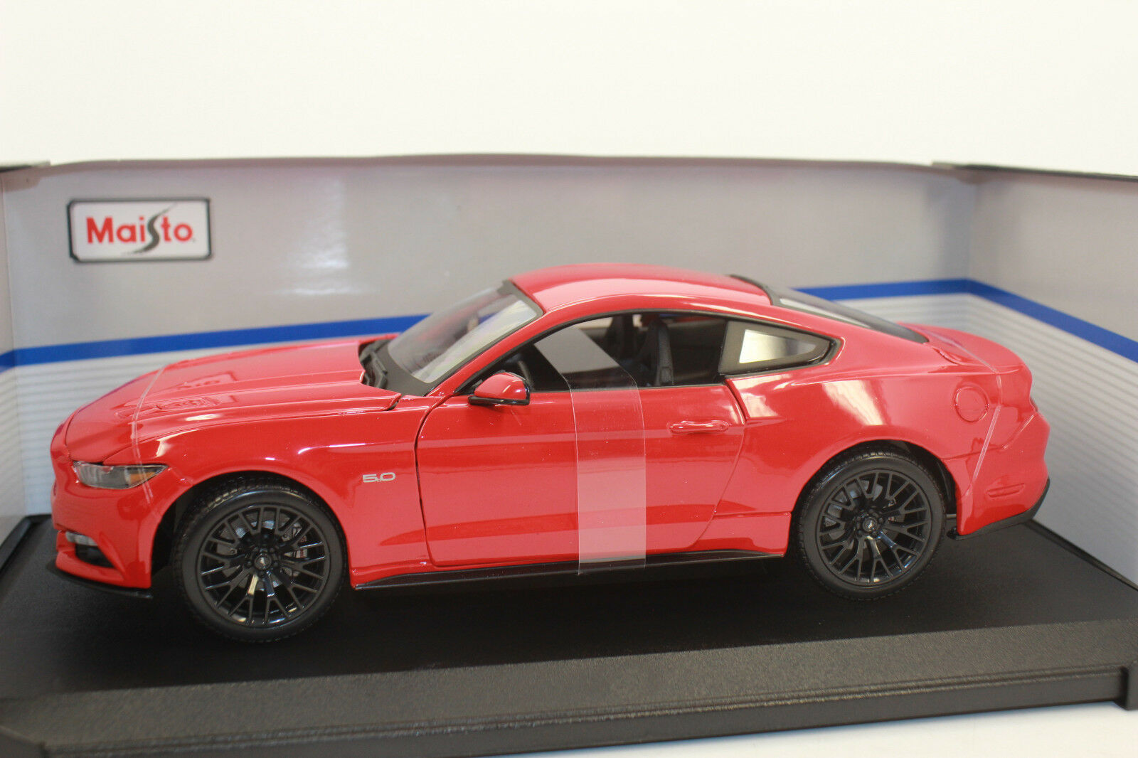 MAISTO 31197 FORD MUSTANG 5.0 2015 Red 1 18 NEW WITH ORIGINAL BOX