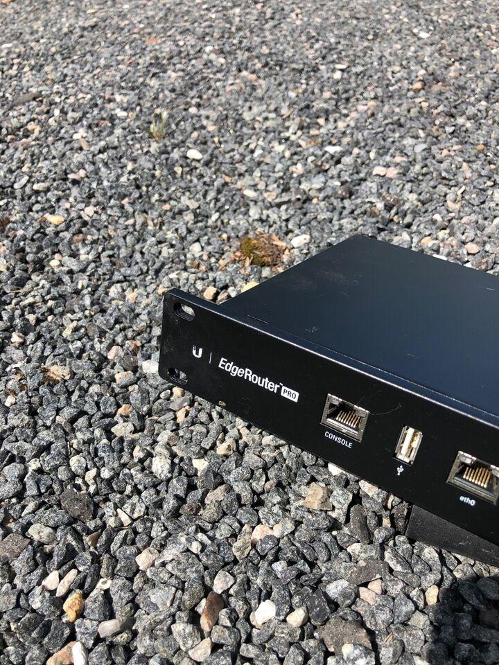 Router, UniFi, God