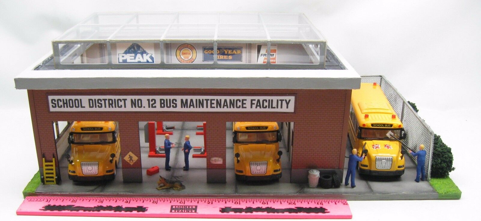 Menards  O Gauge Bus Maintenance Facility Predotype