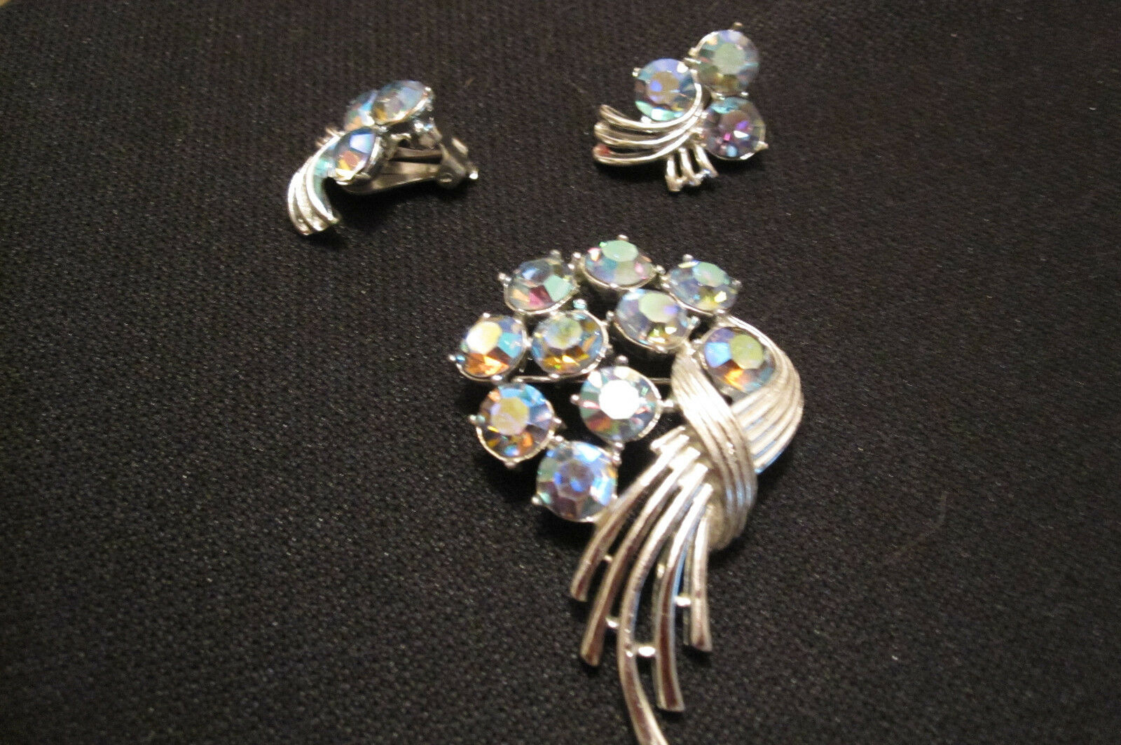 Vintage Kramer Brooch & Earrings - Beautiful Signed Kramer