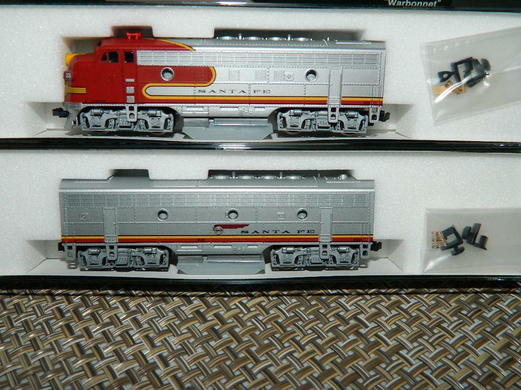 Kato N Scala Santa Fe Warbonnet F7 buona condizione B loco 2 AUTO GRUPPO 1060405, nuovo Old StockNuovo in Scatola