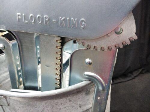 NEW Geerpres Floor King Metal Mop Bucket and Wringer Press 35Qt.