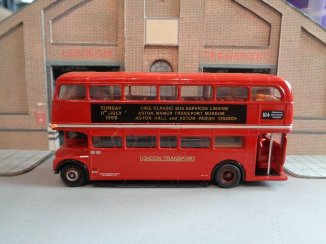 EFE 31708 1:76 OO SCALE Short AEC Routemaster Double Deck Coach Green Line RMC