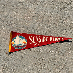 Vintage-Seaside-Heights-NJ-Sailboat-Red-Banner-Pennant-24-No-Tassel