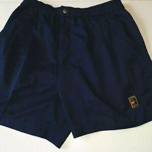 superbe short  de tennis  NIKE vintage  90's  taille S