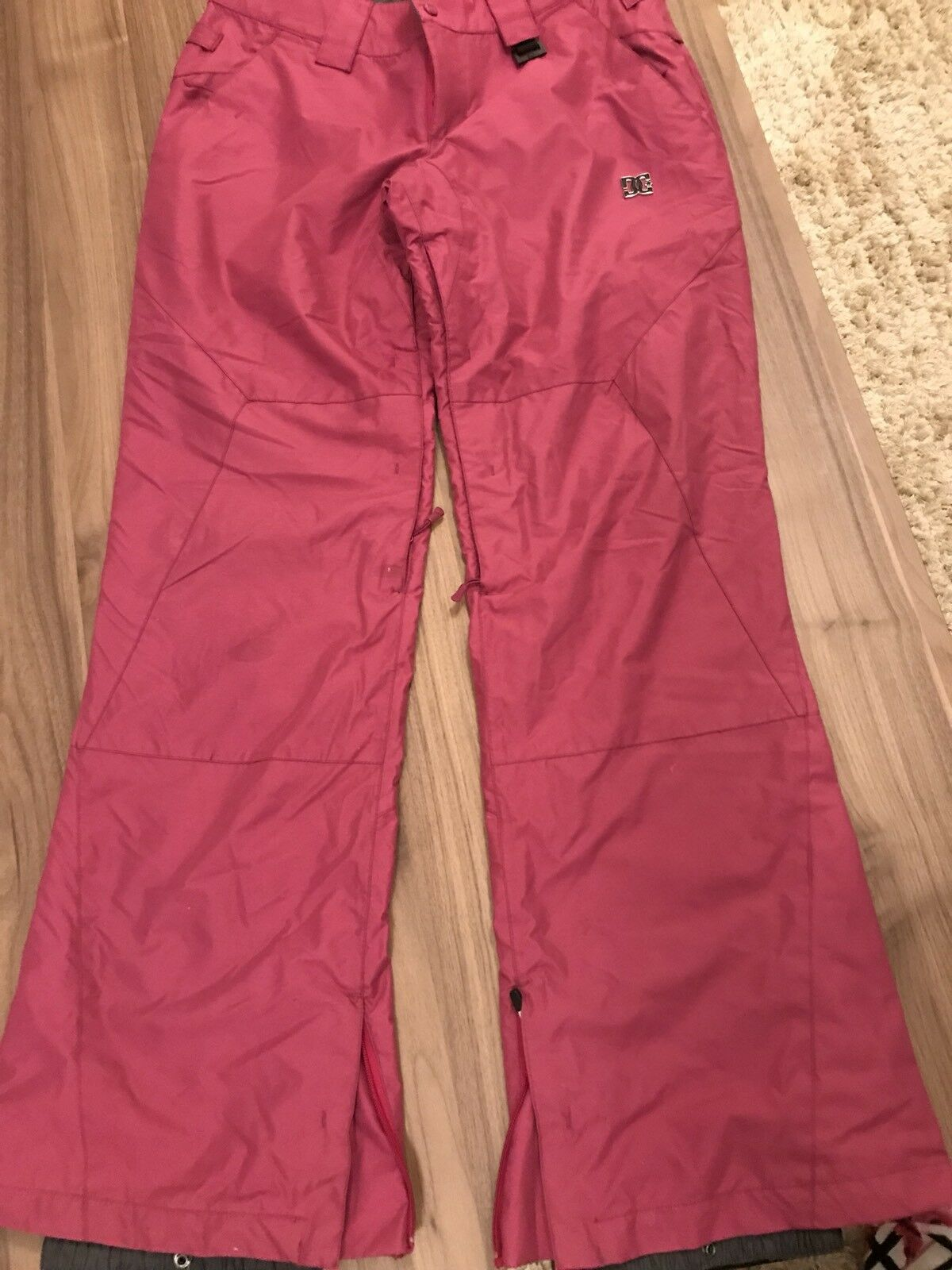 DC SNOW PANTS SKI SNOWBOARD SMALL WOMAN INSULATED WATERPROOF WINDPROOF