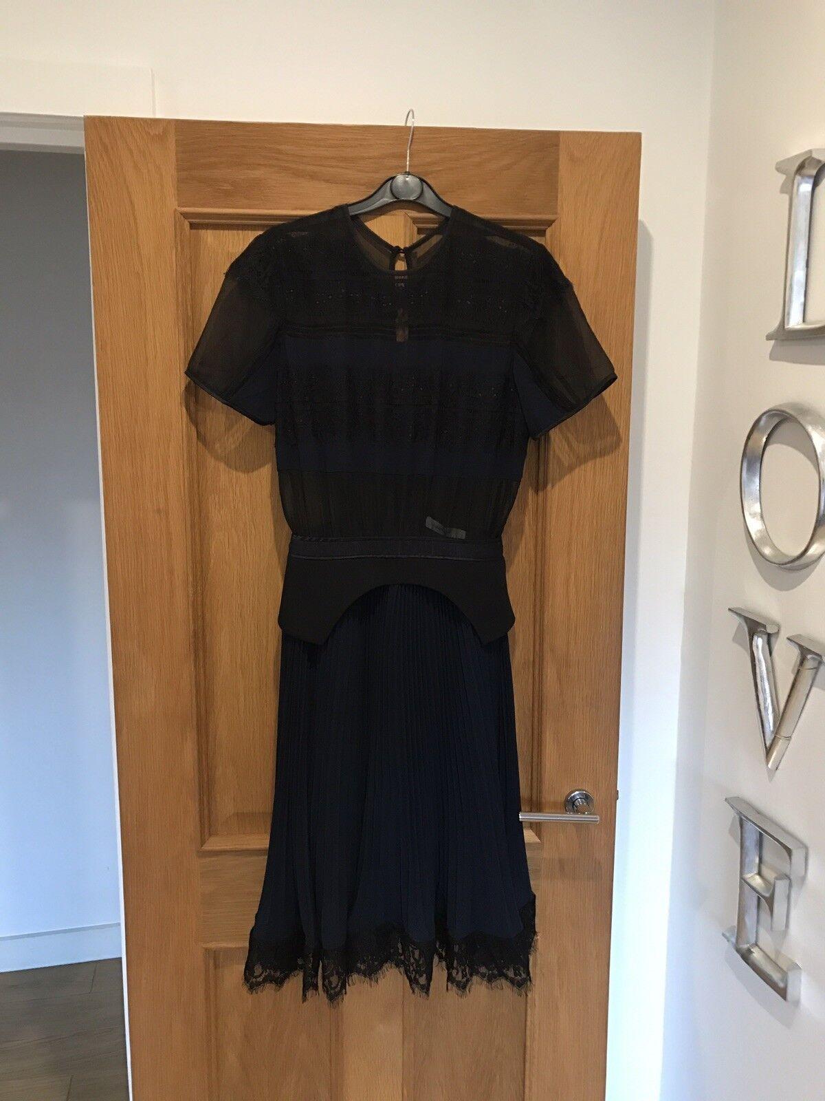BNWT Amazing Three Floor Fashion Navy Blau & schwarz Pleated Lace Dress