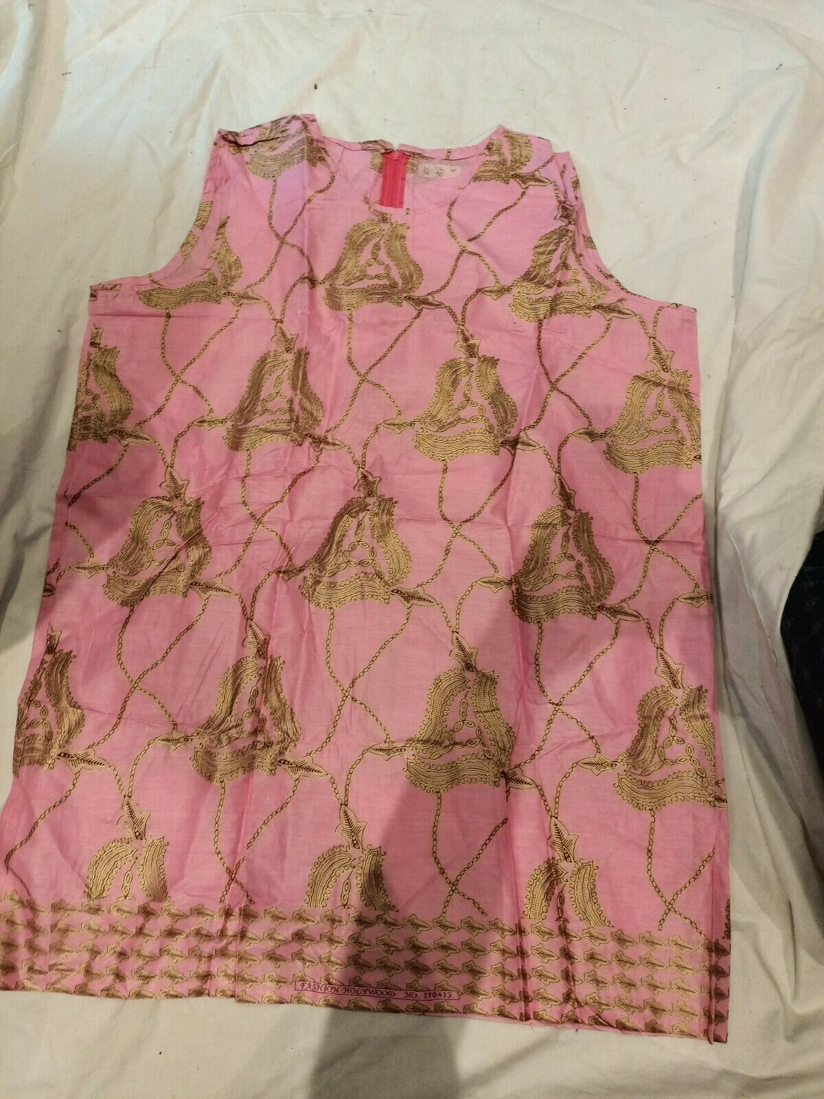 Ladies dress Top in African Print material One size Plus tofit chest up to 50Rin