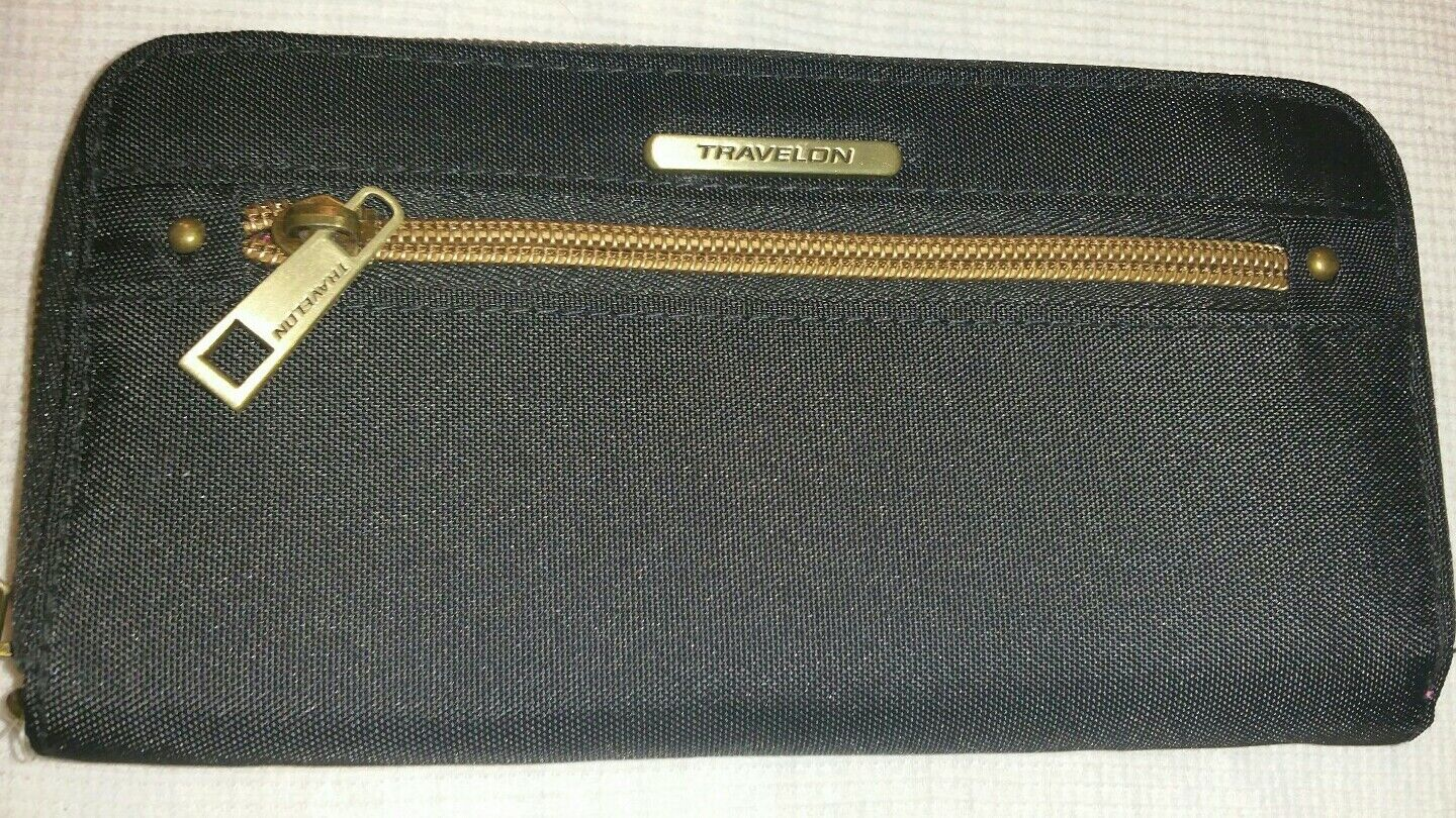 New In Box Travelon Wristlet Wallet RFID Travel Protection Black Pink Zip Close
