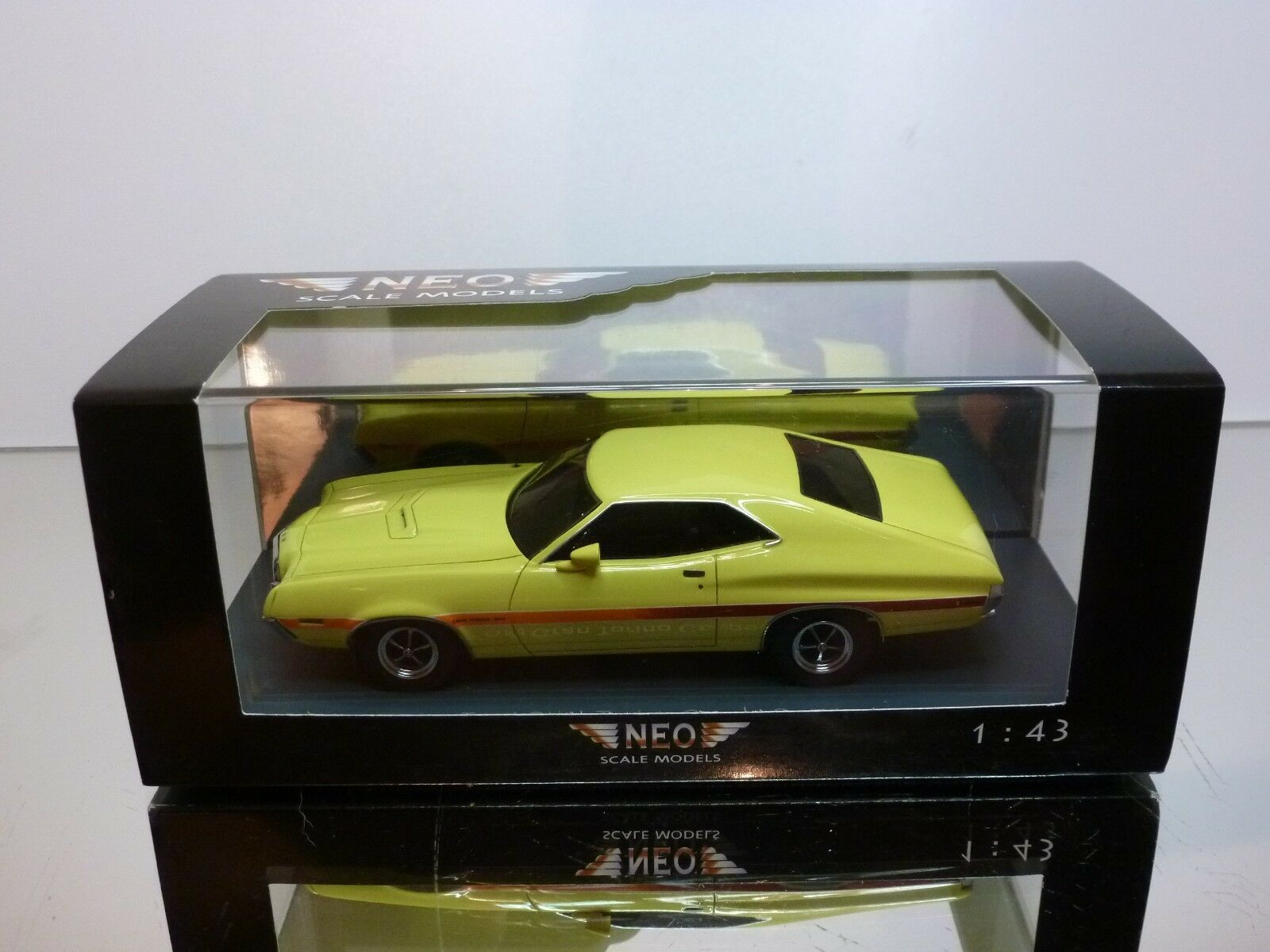 NEO MODELS 44741 FORD GRAND TORINO COUPE SPORT - amarillo 1 43 - EXCELLENT IN BOX